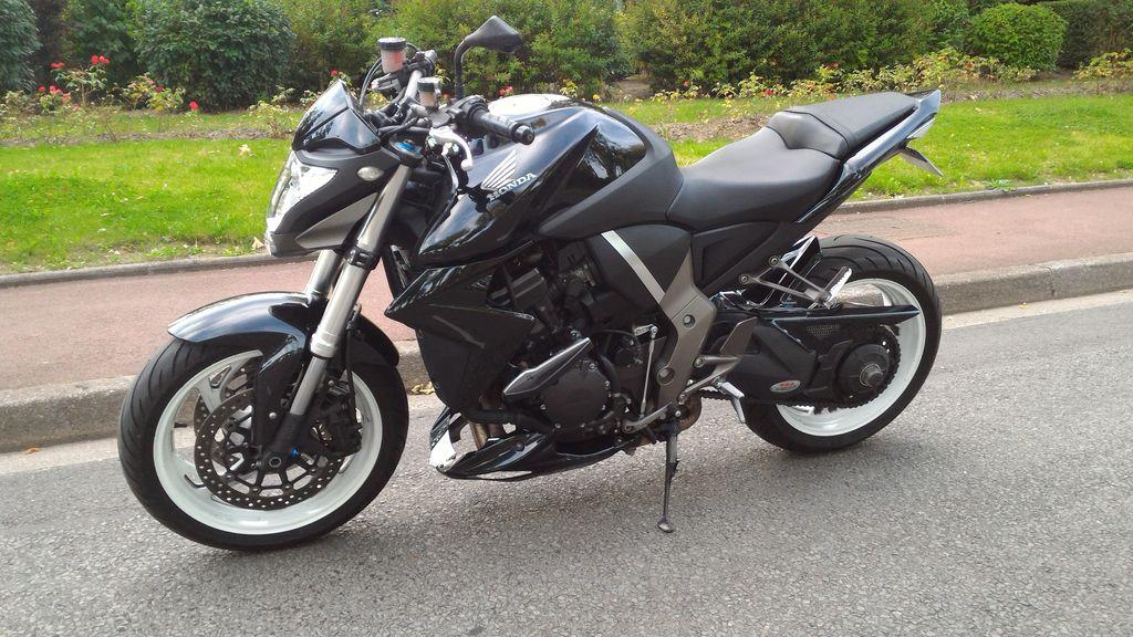 CB1000R noire de 2009 (dans le 59) CB1000R_1